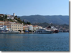 Poros island in the Saronic golf